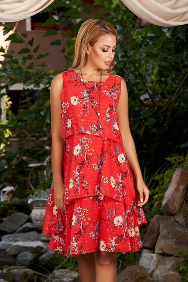 Rochie rosie scurta de zi cu croi in a din voal captusita pe interior cu imprimeu floral