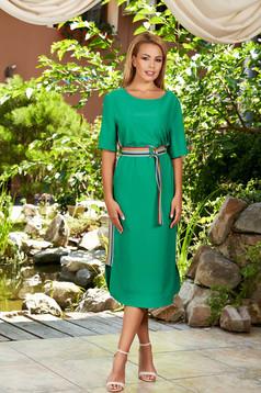 Rochie verde midi eleganta cu un croi drept cu decolteu rotunjit si maneci scurte