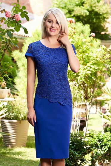 Rochie albastra midi eleganta cu un croi drept cu maneca scurta din material subtire suprapunere cu dantela