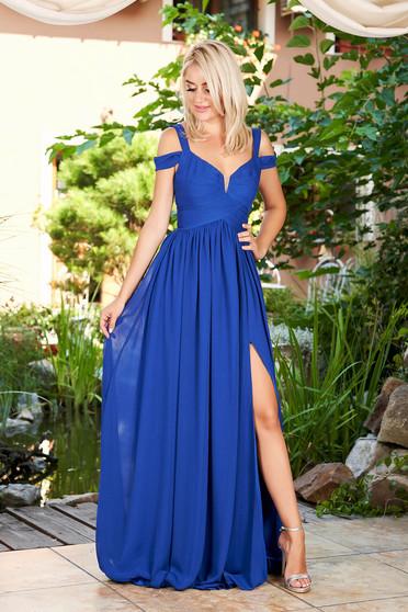 Rochie albastra lunga de ocazie din voal cu bretele decupata in fata si captusita pe interior