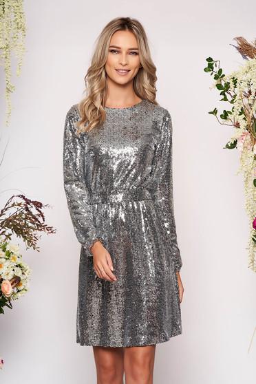 Rochie StarShinerS argintie scurta de ocazie in clos din paiete cu maneci lungi cu elastic in talie si cordon detasabil