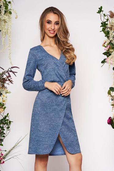 Rochie StarShinerS albastra de zi in clos din tricot cu maneci lungi cu elastic in talie si decolteu in v