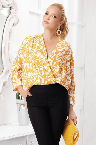 Bluza dama Fofy mustarie scurta eleganta cu croi larg cu decolteu adanc cu maneci lungi si imprimeuri grafice