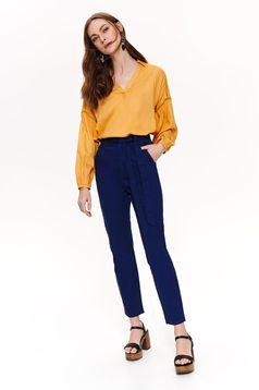 Pantaloni Top Secret albastru-inchis lungi casual din bumbac cu talie inalta cu buzunare in fata accesorizati cu cordon
