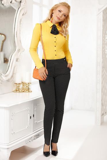 Pantaloni Fofy negri eleganti conici din stofa subtire cu buzunare si imprimeuri grafice