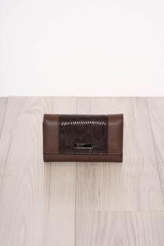 Portofel maro-inchis snake print cu mai multe compartimente si inchidere cu capsa magnetica