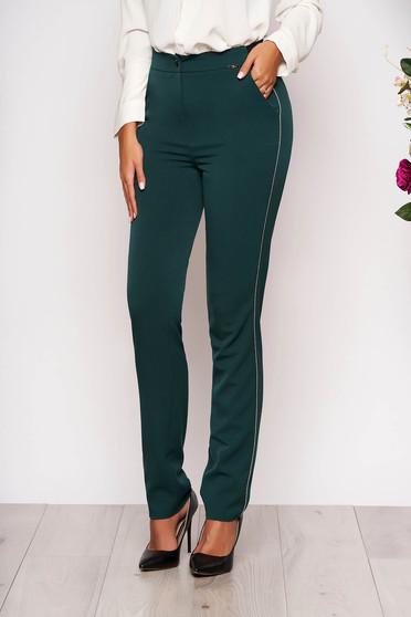 Pantaloni verde inchis conici eleganti din stofa cu elastic in talie cu buzunare si aplicatii metalice