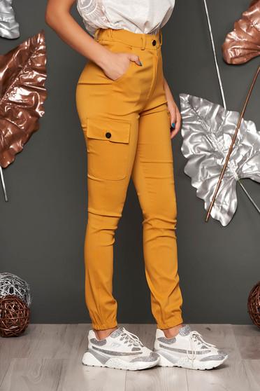 Pantaloni SunShine mustarii casual din imitatie de denim cu talie inalta cu buzunare in fata si laterale