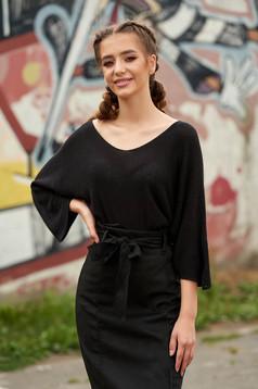 Pulover SunShine negru scurt casual cu croi larg din material tricotat cu decolteu in v si maneci largi