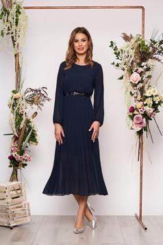 Rochie SunShine albastru-inchis eleganta midi plisata cu croi larg din voal cu curea din imitatie de piele