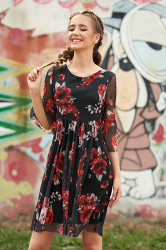 Rochie SunShine neagra scurta de zi in clos din voal cu maneci clopot decolteu rotunjit si imprimeu floral