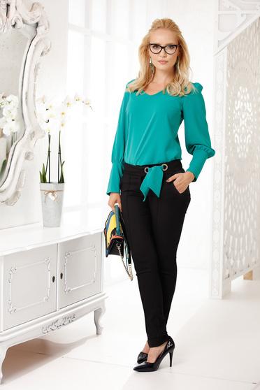 Pantaloni Fofy negri cu accesoriu verde eleganti cu un croi drept din stofa subtire cu talie medie si buzunare