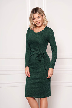 Rochie StarShinerS verde eleganta midi tip creion din material tricotat accesorizata cu cordon fara captuseala