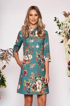 Rochie LaDonna verde scurta eleganta din scuba cu croi in a cu guler cu buzunare si imprimeu floral