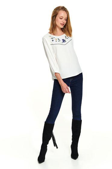 Bluza dama Top Secret alba scurta casual cu croi larg cu decolteu rotunjit si maneci trei-sferturi