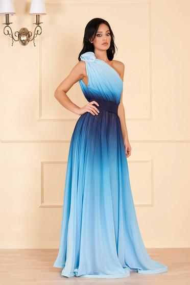Rochie Ana Radu albastru-deschis lunga de lux din material vaporos in degrade pe umar cu cordon detasabil