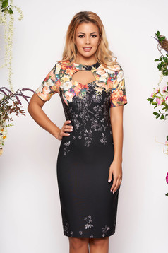 Rochie neagra midi eleganta tip creion cu maneci scurte decupata la bust fara captuseala cu imprimeu floral