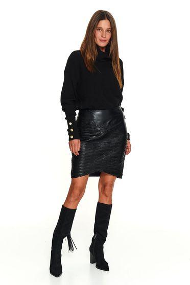 Pulover Top Secret negru casual tricotat scurt pe gat accesorizat cu nasturi