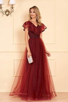 StarShinerS burgundy occasional long dress from tulle with v-neckline frilly trim around cleavage line