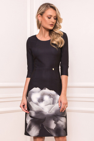 Rochie PrettyGirl neagra eleganta midi tip creion din material elastic cu decolteu rotunjit cu imprimeu floral