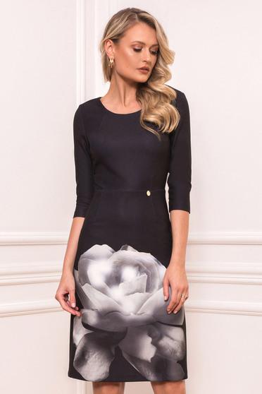 Rochie PrettyGirl neagra eleganta midi tip creion din material elastic cu decolteu rotunjit si imprimeu floral
