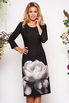 Rochie PrettyGirl neagra eleganta midi din material elastic cu decolteu rotunjit cu imprimeu floral