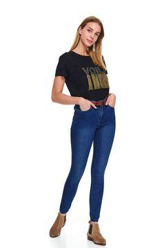 Pantaloni Top Secret albastri din denim conici casual cu buzunare in fata si in spate