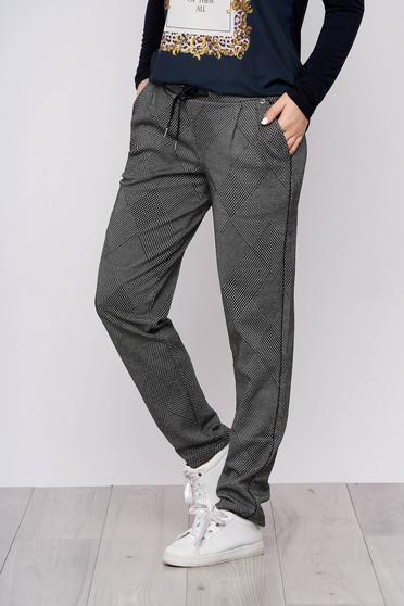 Pantaloni Top Secret negri casual din stofa cu un croi drept cu talie inalta si accesorizati cu snur