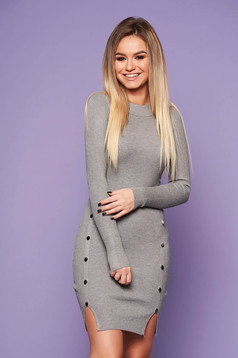 Grey daily dress with tented cut knitted fabric with metal accessories