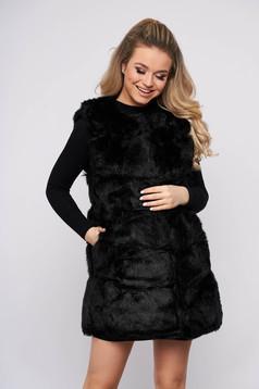 Vesta SunShine negru cu croi larg din blana ecologica cu buzunare captusita pe interior