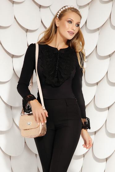 Bluza dama Fofy neagra scurta mulata eleganta din bumbac cu maneci lungi cu maneci clopot cu aplicatii de dantela