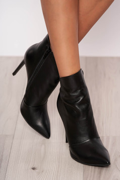 Black ankle boots natural leather slightly pointed toe tip