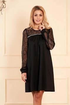 Rochie StarShinerS neagra eleganta scurta de ocazie din jersey lucios cu croi larg cu maneci din dantela fara captuseala