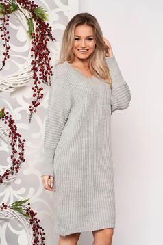 Rochie SunShine gri casual midi din material tricotat cu un croi drept cu decolteu in v si maneci lungi