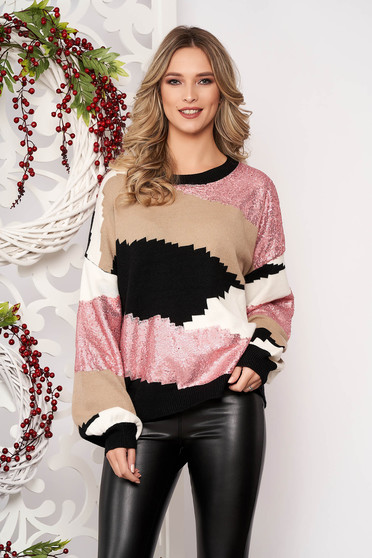 Pulover SunShine roz deschis cu croi larg scurt din lana cu maneci lungi cu aplicatii cu paiete