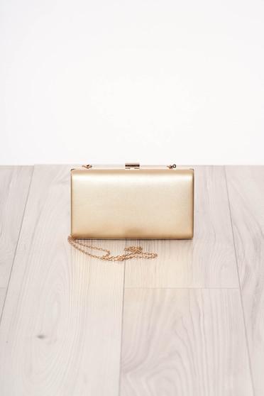 Geanta dama SunShine aurie de ocazie material din piele ecologica cu maner lung tip lantisor accesorizata cu o catarama