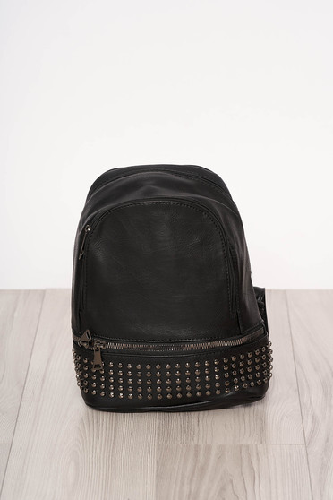 Rucsac SunShine negru material din piele ecologica cu tinte metalice accesorizat cu fermoar cu maner lung reglabil cu manere scurte