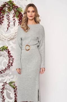 Rochie SunShine gri din material tricotat accesorizata cu cordon cu maneci lungi accesorizata cu o catarama