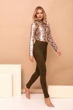 Pantaloni PrettyGirl khaki eleganti lungi conici din imitatie de piele cu accesoriu tip curea