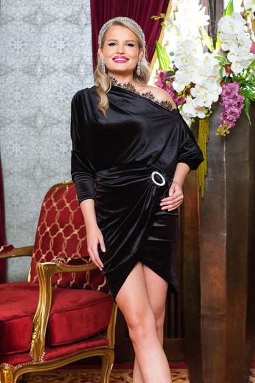 Bluza dama PrettyGirl neagra de ocazie din catifea cu aplicatii de dantela
