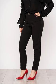 Pantaloni PrettyGirl negri de ocazie cu talie inalta si nasture tip brosa in forma de floare