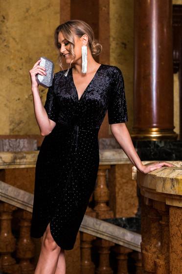 Rochie PrettyGirl neagra de ocazie cu maneci trei-sferturi din catifea cu aplicatii cu pietre strass si decolteu in v petrecut