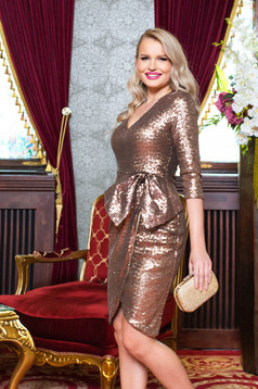 Dress gold occasional with v-neckline with 3/4 sleeves with bow