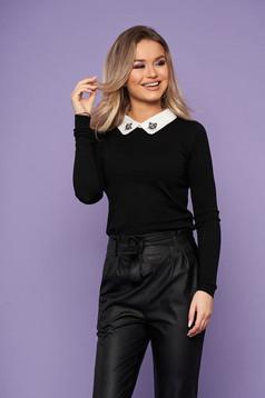 Bluza dama SunShine neagra eleganta scurta din tricot cu guler cu aplicatii din pietre strass