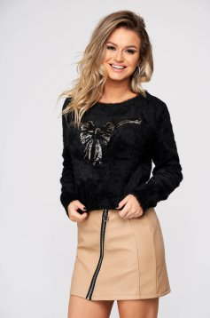 Black sweater casual flared from fluffy fabric