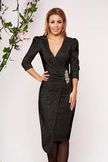Rochie StarShinerS neagra scurta de ocazie tricotata cu fir stralucitor cu decolteu petrecut si accesorizata cu pietre stras