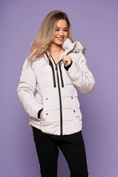 Cream jacket casual short cut with pockets long sleeved with furry hood