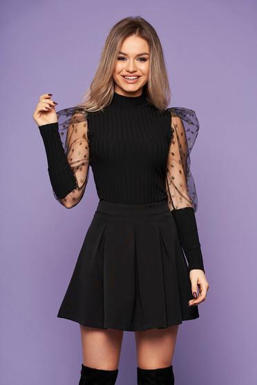 Bluza dama SunShine neagra de party din material tricotat pe gat cu maneci lungi cu maneci bufante din tul cu buline