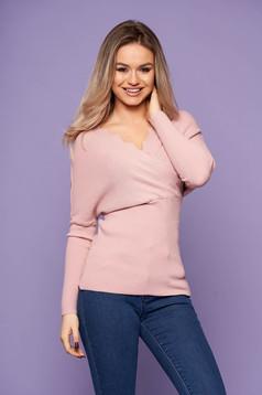 Bluza dama SunShine roz prafuit casual tricotata cu un croi cambrat cu decolteu in v si maneci lungi