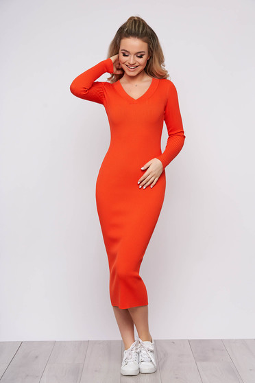 Rochie SunShine portocalie casual de zi din material tricotat cu un croi cambrat cu maneci lungi si decolteu in v